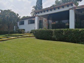 NEX-37530 - Casa en Venta en Teopanzolco, CP 62284, Morelos, con 3 recamaras, con 4 baños, con 1 medio baño, con 323 m2 de construcción.