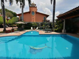 NEX-42042 - Casa en Venta en Vista Hermosa, CP 62290, Morelos, con 4 recamaras, con 3 baños, con 1 medio baño, con 282 m2 de construcción.