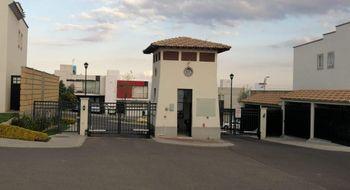 NEX-26025 - Casa en Renta en Residencial el Refugio, CP 76146, Querétaro, con 3 recamaras, con 2 baños, con 1 medio baño, con 130 m2 de construcción.