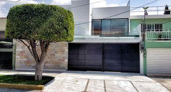 NEX-33057 - Casa en Venta en Ciudad Satélite, CP 53100, México, con 3 recamaras, con 4 baños, con 1 medio baño, con 300 m2 de construcción.