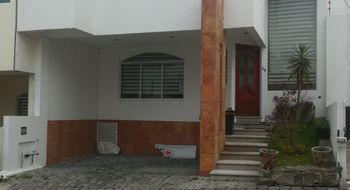 NEX-26349 - Casa en Renta en El Saucedal, CP 72464, Puebla, con 3 recamaras, con 2 baños, con 1 medio baño, con 130 m2 de construcción.