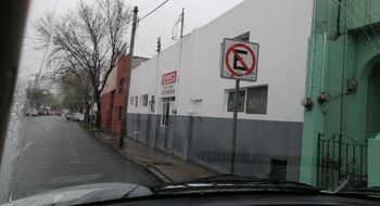 NEX-26868 - Bodega en Renta en Centro, CP 64720, Nuevo León, con 2 recamaras, con 2 baños, con 1 medio baño, con 650 m2 de construcción.
