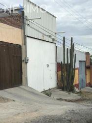 NEX-39601 - Bodega en Renta, con 1 baño, con 2 medio baños, con 225 m2 de construcción en La Lucita, CP 37434, Guanajuato.