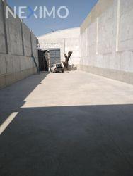 NEX-39609 - Bodega en Renta, con 1 baño, con 2 medio baños, con 339 m2 de construcción en La Lucita, CP 37434, Guanajuato.
