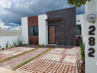 NEX-53806 - Casa en Venta, con 2 recamaras, con 2 baños, con 1 medio baño, con 105 m2 de construcción en El Mayorazgo Residencial, CP 37547, Guanajuato.