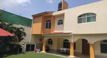 NEX-32306 - Casa en Renta en Extensión Vista Hermosa, CP 62295, Morelos, con 3 recamaras, con 4 baños, con 1 medio baño, con 250 m2 de construcción.