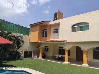 NEX-50284 - Casa en Renta, con 4 recamaras, con 4 baños, con 1 medio baño, con 250 m2 de construcción en Delicias, CP 62330, Morelos.