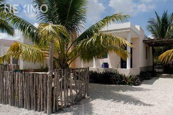 NEX-35532 - Casa en Venta, con 2 recamaras, con 1 baño, con 110 m2 de construcción en Chelem, CP 97336, Yucatán.