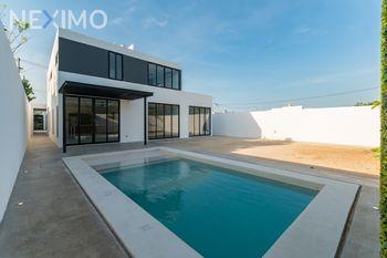 NEX-48931 - Casa en Venta, con 3 recamaras, con 5 baños, con 1 medio baño, con 400 m2 de construcción en Dzityá, CP 97302, Yucatán.