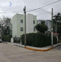 NEX-54200 - Edificio en Venta, con 6 recamaras, con 1 baño, con 230 m2 de construcción en Supermanzana 32, CP 77508, Quintana Roo.