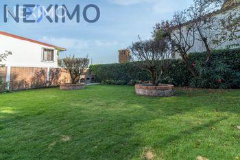 NEX-37389 - Casa en Venta en Contadero, CP 05500, Ciudad de México, con 3 recamaras, con 2 baños, con 1 medio baño, con 350 m2 de construcción.
