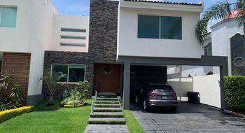 NEX-33132 - Casa en Venta en Valle Real, CP 45019, Jalisco, con 3 recamaras, con 5 baños, con 1 medio baño, con 356 m2 de construcción.