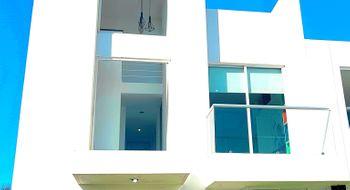 NEX-26894 - Casa en Renta en Lomas de Angelópolis, CP 72830, Puebla, con 3 recamaras, con 2 baños, con 1 medio baño, con 145 m2 de construcción.