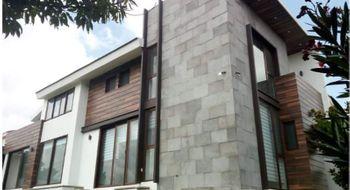 NEX-31842 - Casa en Venta en La Vista Contry Club, CP 72830, Puebla, con 4 recamaras, con 5 baños, con 1 medio baño, con 450 m2 de construcción.