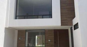 NEX-32074 - Casa en Venta en Lomas de Angelópolis, CP 72830, Puebla, con 4 recamaras, con 4 baños, con 270 m2 de construcción.