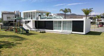 NEX-32076 - Casa en Venta en Lomas de Angelópolis, CP 72830, Puebla, con 4 recamaras, con 3 baños, con 1 medio baño, con 180 m2 de construcción.