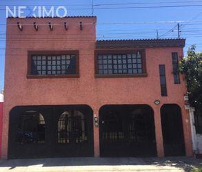 NEX-43833 - Casa en Venta, con 5 recamaras, con 5 baños, con 245 m2 de construcción en Héroes de Puebla, CP 72520, Puebla.