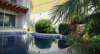 NEX-28130 - Casa en Venta en Lomas de Cortes, CP 62248, Morelos, con 5 recamaras, con 5 baños, con 1 medio baño, con 550 m2 de construcción.