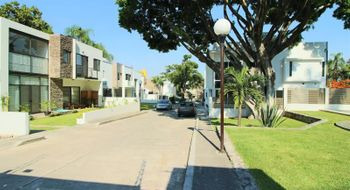 NEX-28160 - Casa en Venta en Cuernavaca Centro, CP 62000, Morelos, con 4 recamaras, con 3 baños, con 190 m2 de construcción.