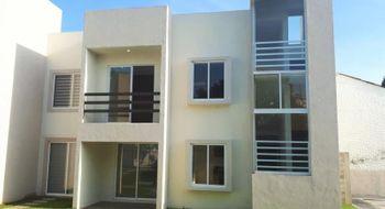 NEX-28174 - Casa en Venta en Centro Jiutepec, CP 62550, Morelos, con 2 recamaras, con 2 baños, con 1 medio baño, con 105 m2 de construcción.