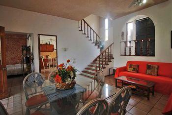 NEX-28325 - Casa en Venta en Burgos, CP 62584, Morelos, con 4 recamaras, con 2 baños, con 1 medio baño, con 167 m2 de construcción.