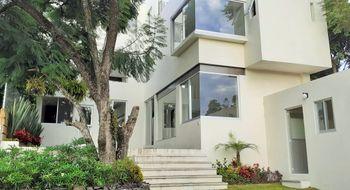 NEX-28328 - Casa en Venta en Rancho Cortes, CP 62120, Morelos, con 3 recamaras, con 4 baños, con 1 medio baño, con 332 m2 de construcción.