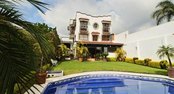 NEX-28351 - Casa en Venta en Rancho Cortes, CP 62120, Morelos, con 5 recamaras, con 6 baños, con 286 m2 de construcción.