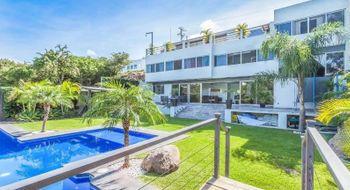 NEX-28364 - Casa en Venta en Club de Golf, CP 62030, Morelos, con 4 recamaras, con 5 baños, con 1 medio baño, con 500 m2 de construcción.