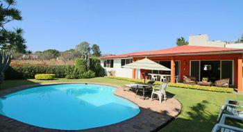 NEX-28368 - Casa en Venta en Tlaltenango, CP 62170, Morelos, con 3 recamaras, con 3 baños, con 1 medio baño, con 340 m2 de construcción.