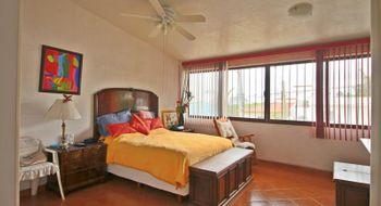 NEX-29742 - Casa en Venta en Lomas de Tetela, CP 62156, Morelos, con 5 recamaras, con 5 baños, con 1 medio baño, con 340 m2 de construcción.
