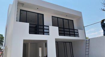 NEX-30498 - Casa en Venta en Centro Jiutepec, CP 62550, Morelos, con 4 recamaras, con 2 baños, con 1 medio baño, con 192 m2 de construcción.