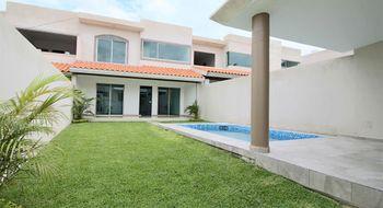 NEX-32486 - Casa en Venta en Centro Jiutepec, CP 62550, Morelos, con 4 recamaras, con 4 baños, con 1 medio baño, con 165 m2 de construcción.