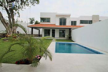 NEX-32492 - Casa en Venta, con 4 recamaras, con 4 baños, con 1 medio baño, con 200 m2 de construcción en Centro Jiutepec, CP 62550, Morelos.