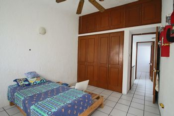 NEX-34220 - Casa en Venta en Burgos, CP 62584, Morelos, con 4 recamaras, con 2 baños, con 1 medio baño, con 144 m2 de construcción.