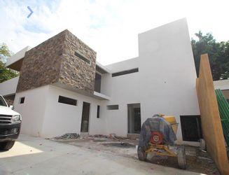 NEX-36065 - Casa en Venta, con 3 recamaras, con 3 baños, con 1 medio baño, con 180 m2 de construcción en Maravillas, CP 62230, Morelos.