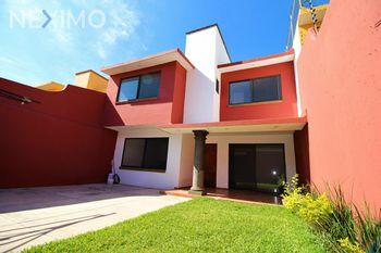 NEX-45985 - Casa en Venta, con 3 recamaras, con 2 baños, con 1 medio baño, con 206 m2 de construcción en Vista Hermosa, CP 62290, Morelos.