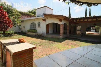 NEX-47195 - Casa en Venta, con 1 recamara, con 2 baños, con 136 m2 de construcción en Insurgentes, CP 62200, Morelos.