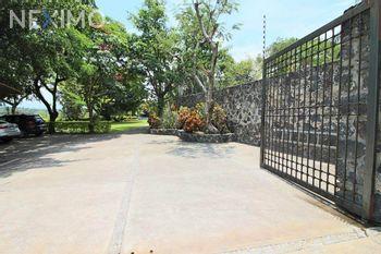 NEX-47406 - Casa en Venta, con 4 recamaras, con 5 baños, con 587 m2 de construcción en Tezoyuca, CP 62767, Morelos.