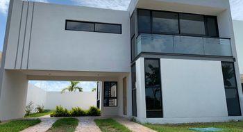 NEX-27879 - Casa en Venta en Conkal, CP 97345, Yucatán, con 3 recamaras, con 3 baños, con 1 medio baño, con 215 m2 de construcción.