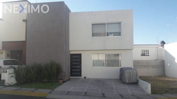 NEX-29257 - Casa en Venta, con 3 recamaras, con 3 baños, con 1 medio baño, con 177 m2 de construcción en Monte Blanco I, CP 76087, Querétaro.