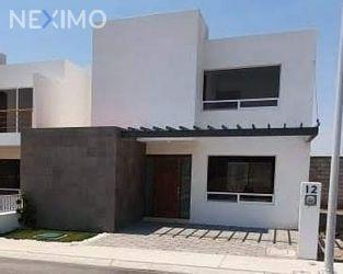 NEX-29976 - Casa en Venta, con 3 recamaras, con 2 baños, con 1 medio baño, con 165 m2 de construcción en Zen House II, CP 76246, Querétaro.