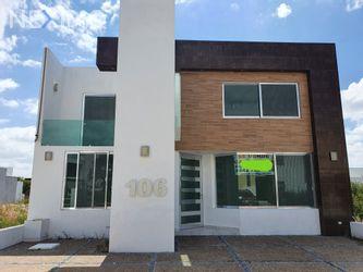 NEX-36822 - Casa en Venta, con 4 recamaras, con 4 baños, con 1 medio baño, con 326 m2 de construcción en Residencial el Refugio, CP 76146, Querétaro.
