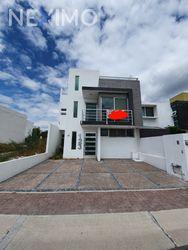 NEX-36824 - Casa en Venta, con 3 recamaras, con 3 baños, con 1 medio baño, con 192 m2 de construcción en Residencial el Refugio, CP 76146, Querétaro.