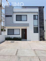 NEX-45168 - Casa en Renta, con 3 recamaras, con 5 baños, con 1 medio baño, con 220 m2 de construcción en Zibatá, CP 76269, Querétaro.