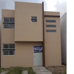 NEX-37107 - Casa en Venta en Privanzas, CP 87413, Tamaulipas, con 3 recamaras, con 1 baño, con 1 medio baño, con 72 m2 de construcción.