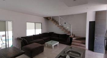 NEX-29610 - Casa en Renta en Alborada, CP 77533, Quintana Roo, con 3 recamaras, con 2 baños, con 1 medio baño, con 250 m2 de construcción.