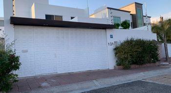 NEX-28459 - Casa en Renta en Juriquilla, CP 76226, Querétaro, con 3 recamaras, con 3 baños, con 1 medio baño, con 230 m2 de construcción.