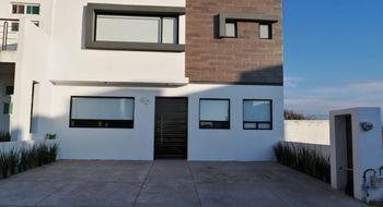 NEX-28468 - Casa en Venta en El Mirador, CP 76246, Querétaro, con 3 recamaras, con 4 baños, con 1 medio baño, con 240 m2 de construcción.