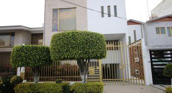 NEX-28748 - Casa en Venta en Vergel Coapa, CP 14320, Ciudad de México, con 3 recamaras, con 3 baños, con 2 medio baños, con 304 m2 de construcción.