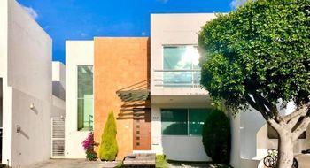 NEX-29056 - Casa en Venta en Lomas de Angelópolis, CP 72830, Puebla, con 3 recamaras, con 3 baños, con 1 medio baño, con 164 m2 de construcción.
